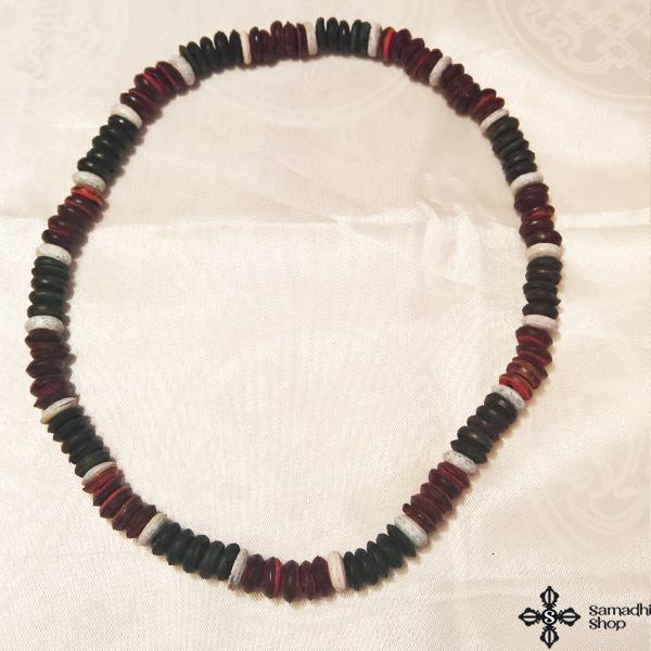 Fa nyaklánc színesszemekkel