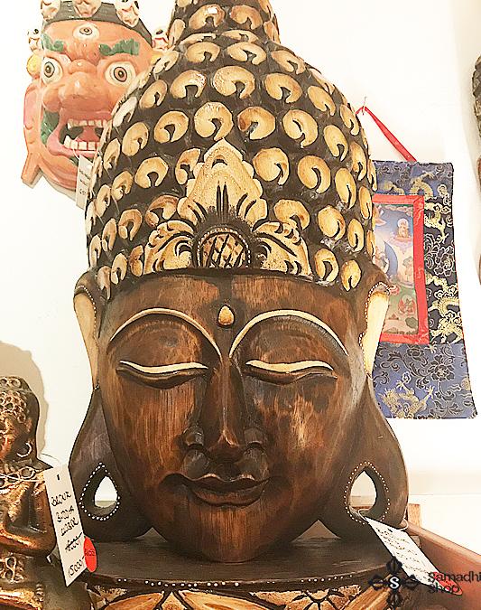 Faragott álló Buddha maszk fafaragás 50cm