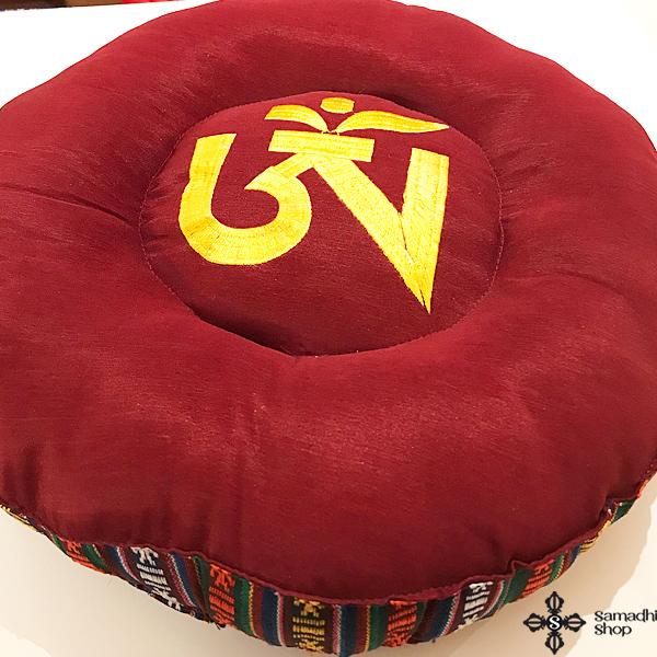 Meditációs párna hímzett tibeti OM szimbólummal - Samadhi Shop f146c49844