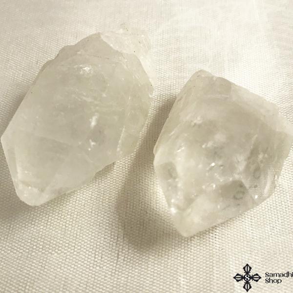 Hegyikristály csakrakő csiszolatlan 24 30 gramm