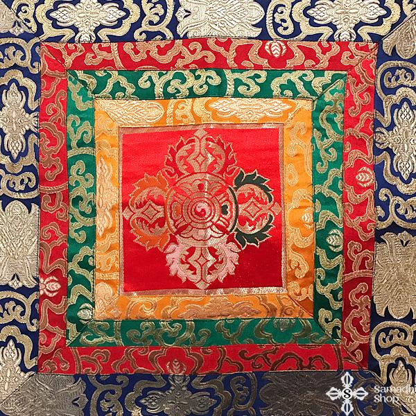 Dupla dordzse szimbólumos oltárterítő nagy méretű