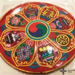 Hímzett nepáli oltárterítő terítő tibeti nyolc szerencse szimbólummal