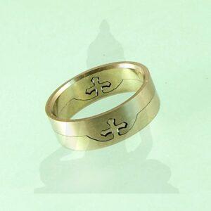 koronás gyűrű
