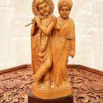 Eredeti-szantálfa-Krishna-és-társa-szobor