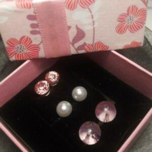 rózsaszín-fülbevalő-szett-ékszer-ajándék-doboz-bizsuékszerbolt.hu
