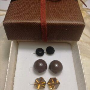 barna-fülbevalő-szett-ékszer-ajándék-doboz-bizsuékszerbolt.hu