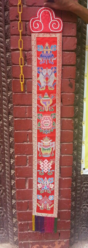 Tibetan Eight Auspicious Symbol wall hanging (red)